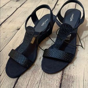 East 5th | Wedge Studded Sandal Size 9